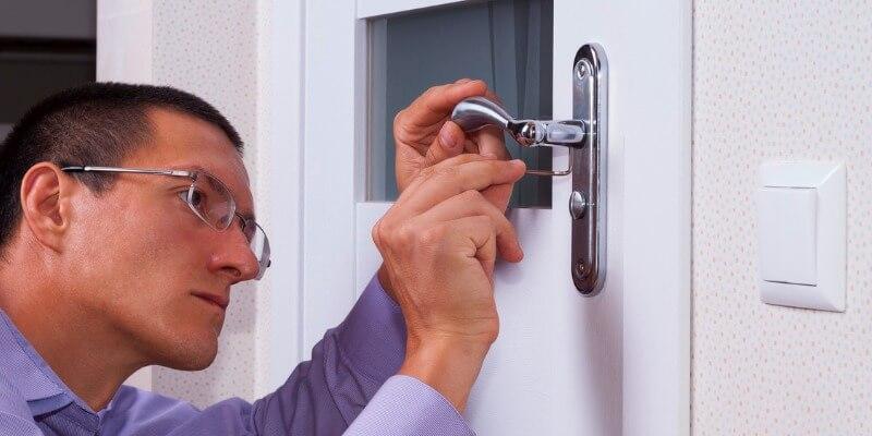 commercial door locks - Locksmith Framingham MA