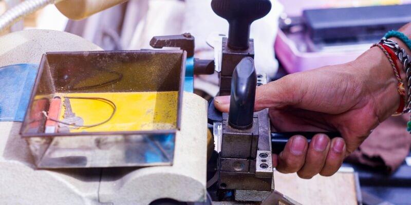 make car keys - Locksmith Framingham MA