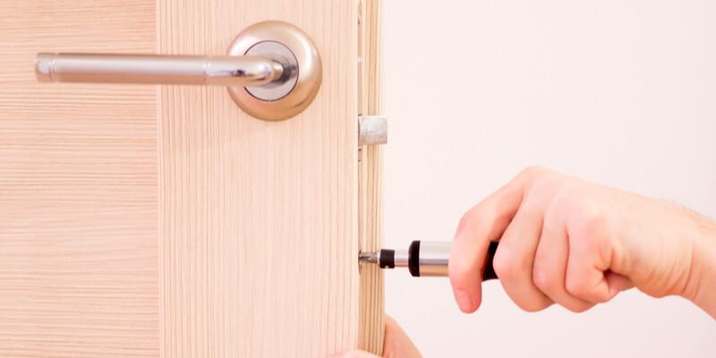 lock replacement - Locksmith Framingham MA