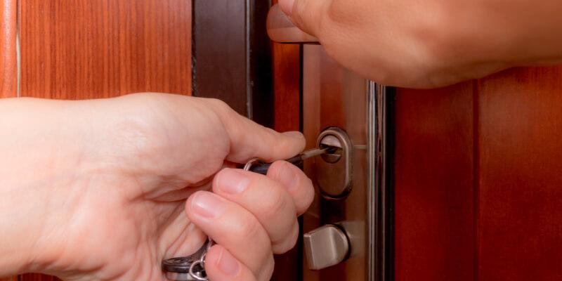 security door locks - Locksmith Framingham MA